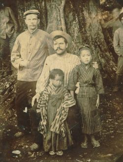 Матросы Измайлов и Новиков в японском плену.